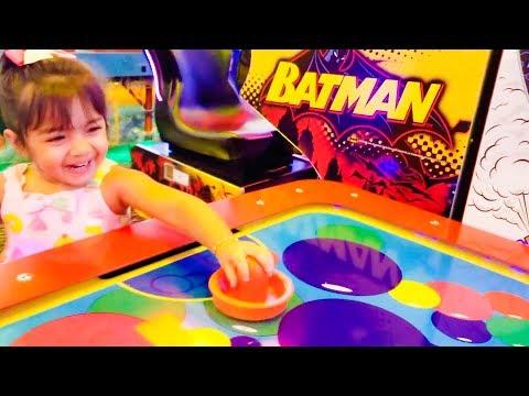 Kids Arcade Games Ball Game Batman Game Air Hockey Peter Piper Pizza - ZMTW