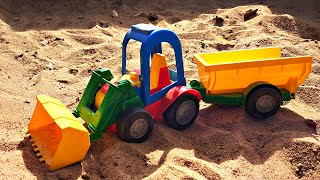 Купили новый Синий Трактор и Играем с Трактором на Детской площадке с горками