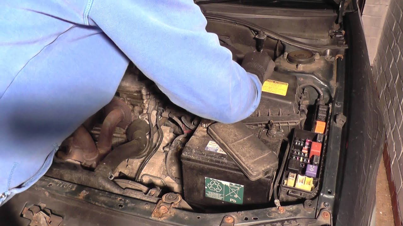 Renault Scenic Fuse Box 2008 Simple Guide About Wiring Diagram On A Grand Toyota Avensis Relay Location Youtube