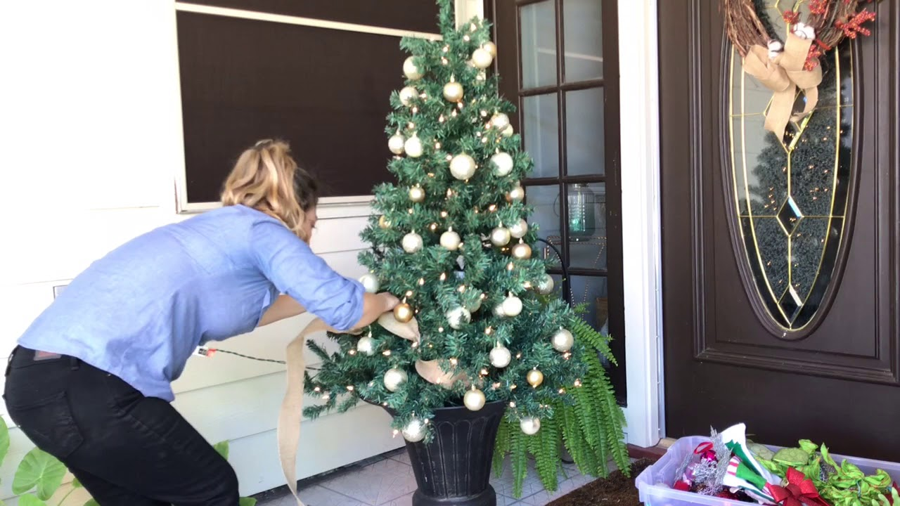 Front Porch Christmas Tree  Decorate With Me  Day 16 Christmas 20167