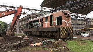 2011.4.22 HD台鐵 台北機廠 R27 R35柴電機車頭 報廢拆解