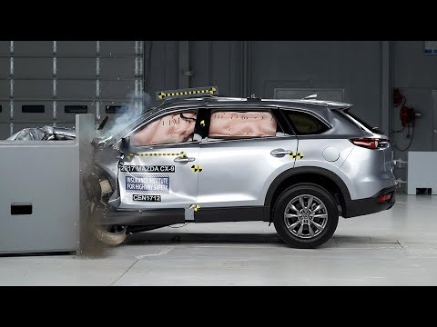 2017 Mazda CX-9 driver-side small overlap IIHS crash test