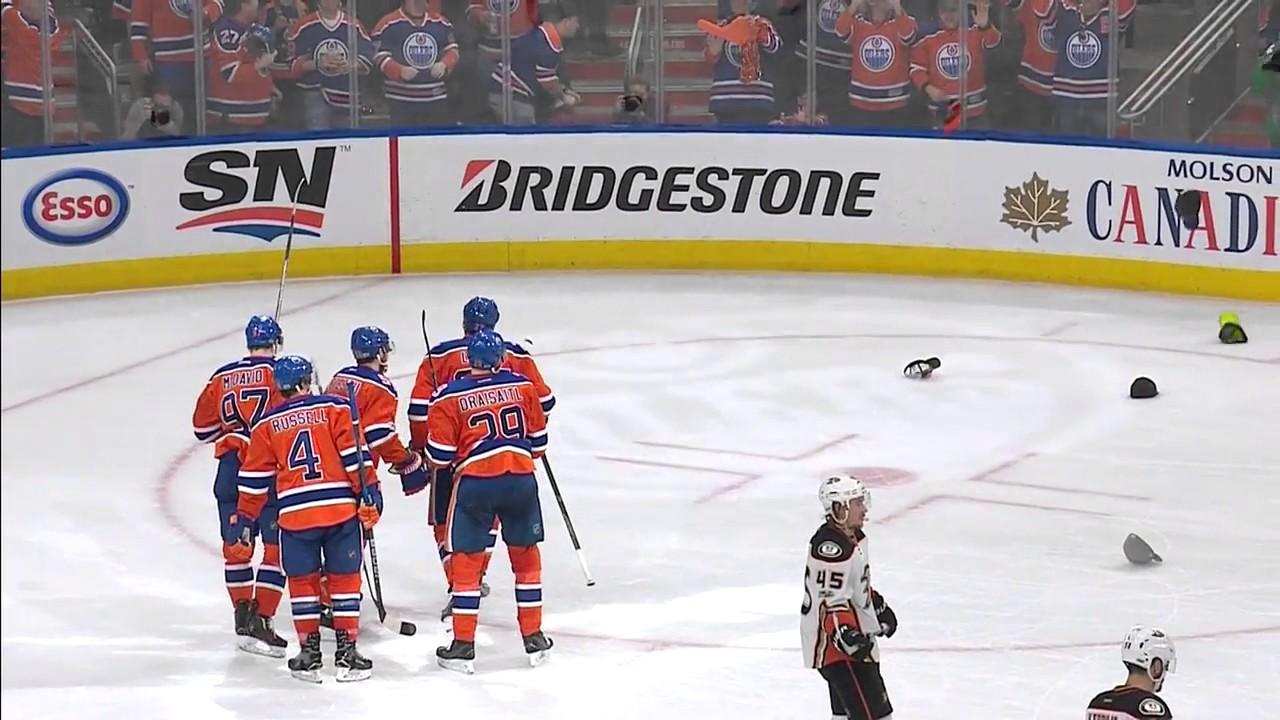 c946652701f Leon Draisaitl Hat Trick vs Ducks