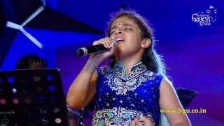"""Spoorthi Rao singing  """"Minsaara Poove"""" from the movie Padaiyappa @ 54th Bengaluru Ganesh Utsava"""
