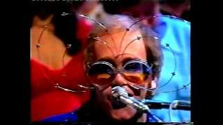 Elton John - Lucy in the Sky with Diamonds (Top of the Pops - December 1974)