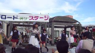 カルチュアロード2011(弘前土手町・蓬莱広場)りんご娘ライブ より「LO...