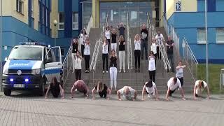 Pracownicy Komendy Miejskiej Policji w Ostrołęce pompowali dla Dominika