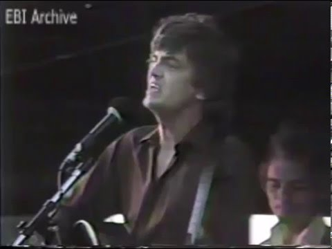 Everly Brothers International Archive : Phil Everly Live at Long Beach (1982)   part 1