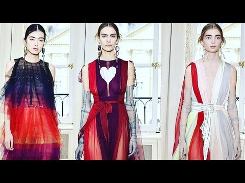 Elsa Schiaparelli Collection Fall Winter 2017  | Paris Haute Couture Fashion Week