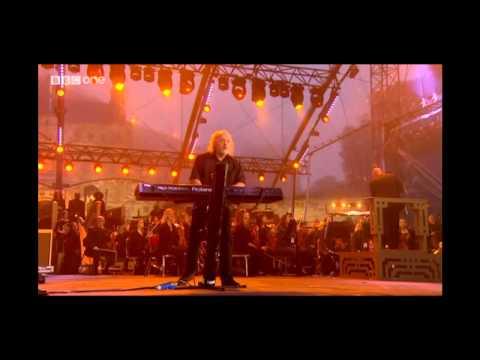 Bill Bailey - BBC News Theme (Live at Edinburgh Castle)