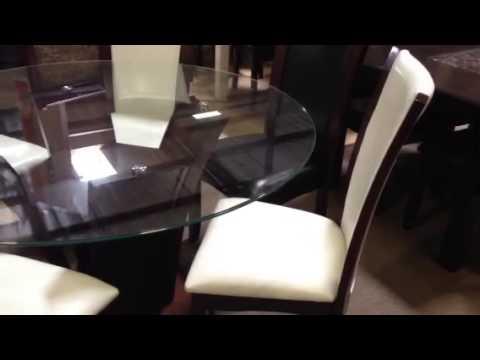 Manhattan Round Glass Table w/ White ChairsID3710RT-WH