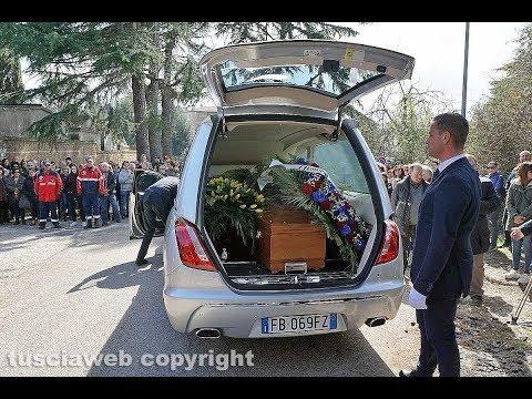 Fabrizio Frizzi sepolto a Bassano Romano: 'Era il nostro fratellone'