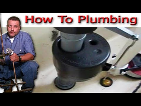 Wc instalar la v lvula de llenado fluidmaster youtube for Como colocar una mochila de inodoro