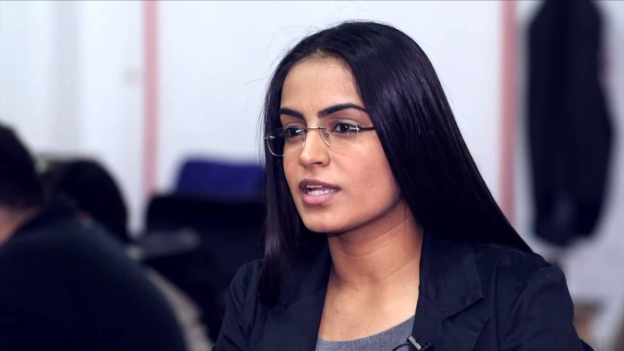 Αποτέλεσμα εικόνας για Komal Dadlani Lab4U smartphones