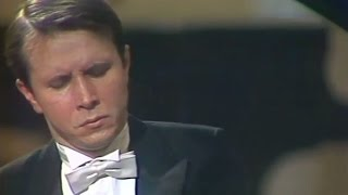 Mikhail Pletnev plays Rachmaninoff - Prelude op. 23 No. 7 in C minor (Moscow, 1987)