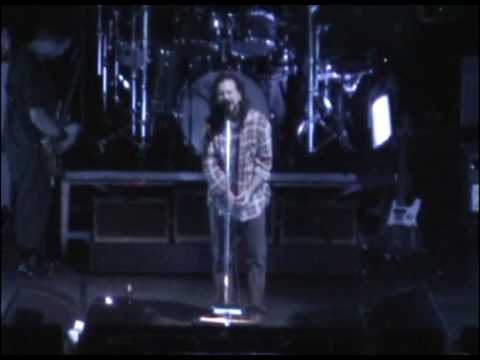 Pearl Jam - Inside Job (Grand Rapids, 2006)