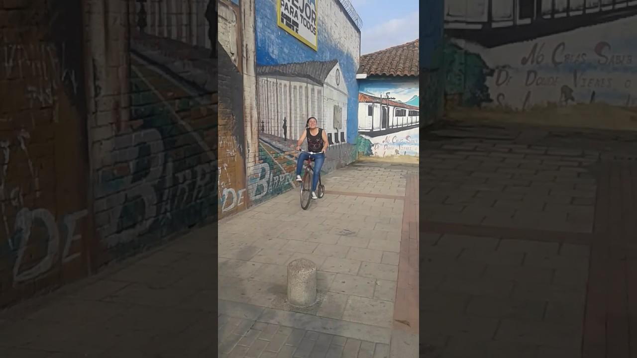 Se Le Robaron El Triciclo Al De Juegos Macabros Denuncie Youtube