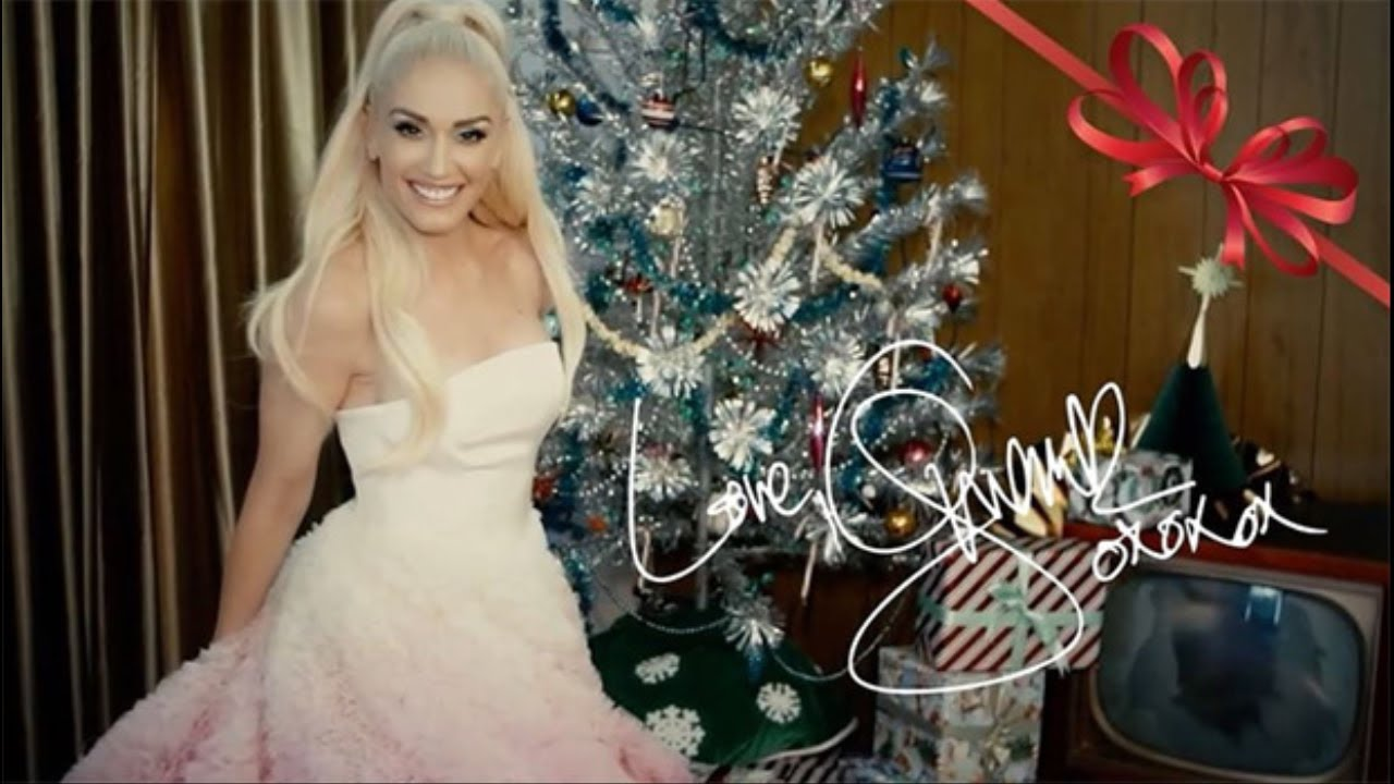 Gwen Stefanis Pink White Xmas Gown Looks Just Like Her Wedding