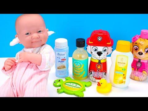 КАК МАМА Играла с Куклой Реборн Купаем Кормим Одеваем Лечим Мультики для детей 108мама тв