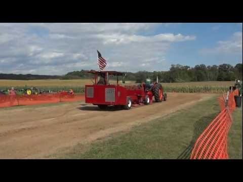co-op tractor pulling,antique tractor pulling,coop e4 trctor