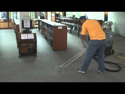 Biblioteca de alto tránsito limpieza de  Alfombras .wmv