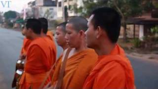 Buddhism in Laos: Ordaining as a Monk, the Story of Sisouphan and his Brother