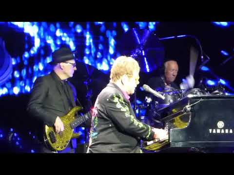 Elton John   Your song   a tribute to his mother  0512 2017 Barclay Arena Hamburg