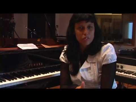 Clara Moreno 'Miss Balanco' - In The Studio