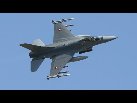 Fighter pilot passes out, jet goes into free fall