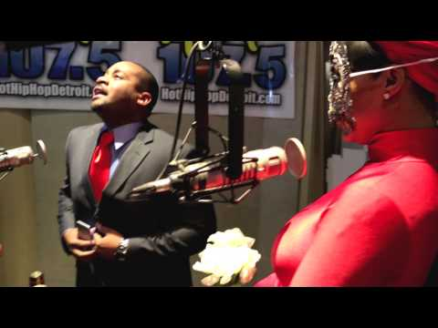 The Morning Heat's Deelishis Gets Married on Hot 107.5!