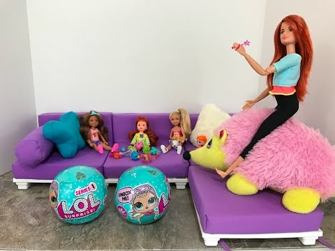 Chelsea and her friends get LOL Dolls to open from the Hedgehog Queen