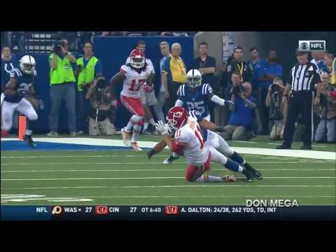 Alex Smith Suffers Concussion