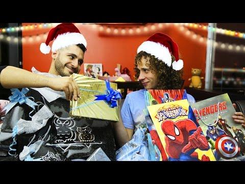 Intercambio de Regalos | Navidad | Luisito Comunica