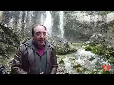La cascada de La Fuentona repleta de agua