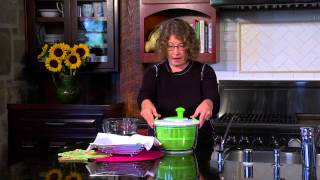Cuisinart Salad Spinner (CTG-00-SAS) Demo Video
