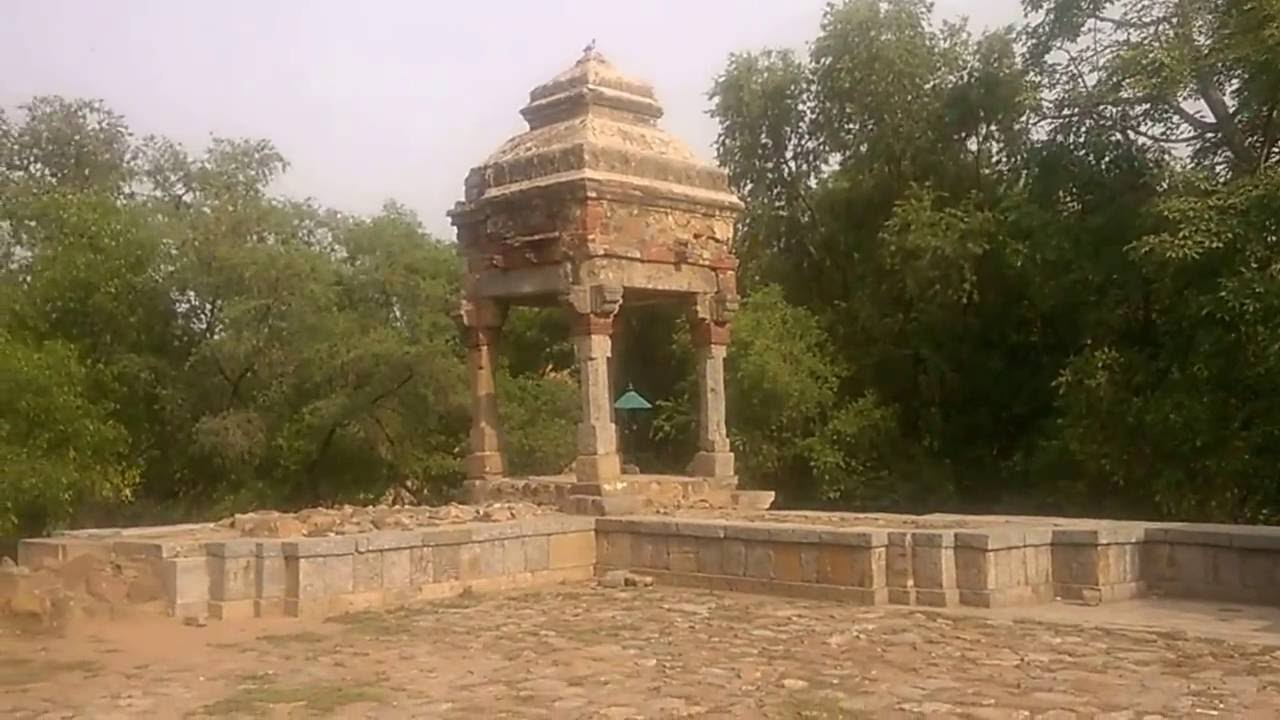 Collapsing Gate of Tomb of Sikandar Lodi, Delhi, India - YouTube