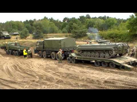 3 Tatra 813 und 815 ziehen BMP auf Tieflader, Tag der Technik-Show Mahlwinkel 2012