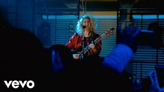 Tori Kelly Hollow Live At The Year In Vevo