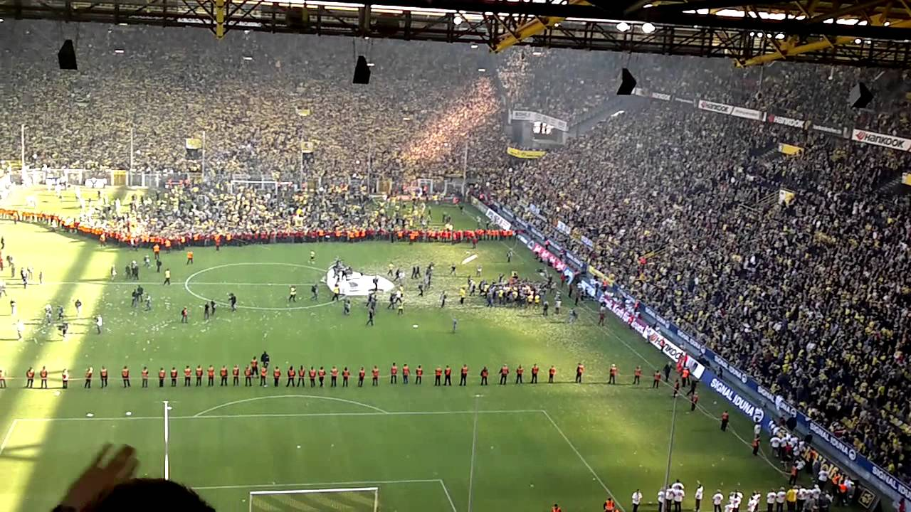 meisterfeier borussia dortmund 2011 stadion youtube. Black Bedroom Furniture Sets. Home Design Ideas