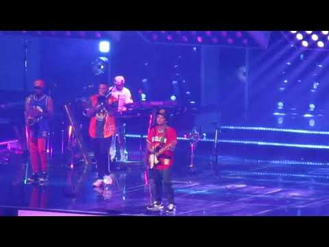 Bruno Mars Performing 'Marry You' Prudential Center In Newark, NJ 10/2/2018