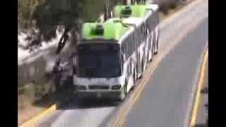 Bloquean vecinos en Ecatepec paso del Mexibús