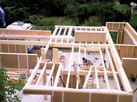 Maison bbc ossature bois video time lapse de la for Maison en bois bbc
