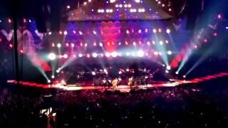 Justin Timberlake/Garth Brooks - Friends In Low Places - Live - Nashville Bridgestone Arena