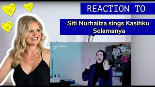 Voice Teacher Reacts to SITI NURHALIZA COVER