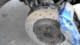 Nissan Skyline R34 RB25DET: Замена передних тормозных колодок на комплект NIBK!