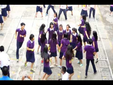 "VTS-A15-FLASHMOB ""WHAT MAKES YOU BEAUTIFUL"""