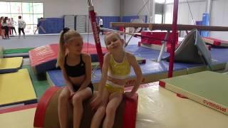 Lilou Rotheval (2007) et Maud Chapoutier (2010) - Gymnastique Février 2017 thumbnail
