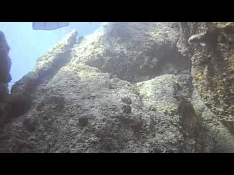 Diving at Punta Perico 100610