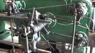 HUGE STEAM ENGINE OPERATING Corliss tuba...
