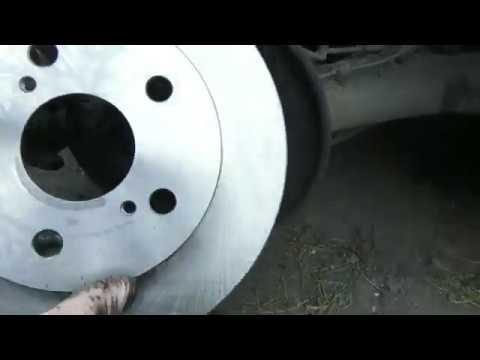 Самостоятельная замена задних тормозных дисков на Тойоте королле E140 ,  2008 года выпуска.